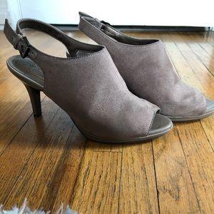 Tan/beige high heels with peepToe and strap